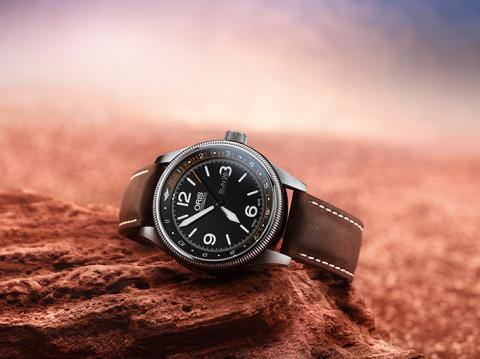 Часы Oris Royal Flying Doctor Service Limited Edition II выпущены в поддержку деятельности легендарной авиационной медицинской службы Австралии.